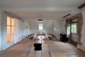 Der Saal im 3. Stock ist lichtdurchflutet und regt kreative Denkprozesse an