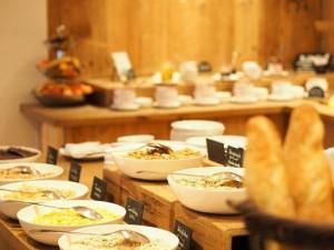 Frühstücksbuffet im Hotel Kitzhof_Copyright www.oooyeah.de Out Of Office