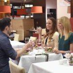 Mit dem Mineralwasser-Wissen fürs Restaurant gibt es neuen Gesprächsstoff beim Ausgehen