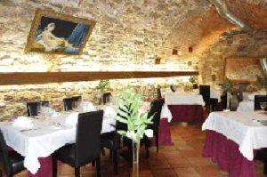 gewoelbekeller-im-schuerers-restaurant-tafelhaus-in-backnang-bei-stuttgart