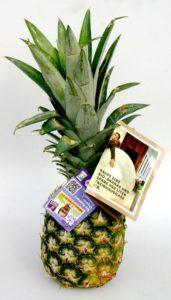 Ab sofort informiert die Bio-Ananas von Nature & More über die wahren Kosten von Lebensmitteln.