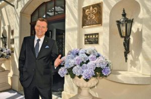 Ralf J. Kutzner, Geschäftsführer des Hotels Bülow Palais Dresden, Foto: Anne Huneck