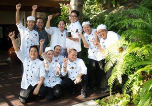 Das Kamalaya-Küchenteam freut sich über den Award