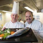 Johann Lafer und Georg Walther (li.) laden zum Dinner, Foto: Yorck Maecke