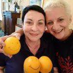 Zofia Behnert und Auberge-Inhaberin Antje Last