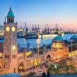 Landungsbrücken und der Hamburger Hafen