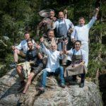 """Bei """"The Unplugged Taste"""" toben sich fünf Südtiroler und zwei internationale Top-Köche auf der Gompm Alm oberhalb von Schenna kreativ aus. Bildnachweis: Gompm Alm/Michael Paul"""