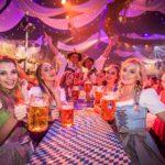 Wiesn-Atmosphäre in Deutschlands größtem Freizeitpark