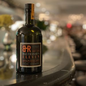 Balthasar's Eleven: VDP.Weingut Balthasar Ress präsentiert London Dry Gin mit Rieslingblüten