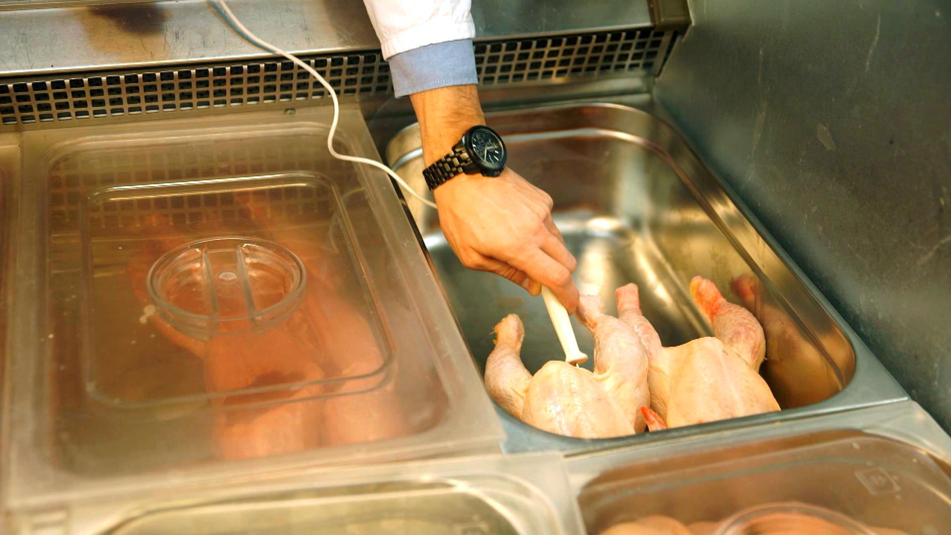 """Ungenießbar: """"ZDFzoom"""" über Lücken in der Lebensmittelkontrolle"""