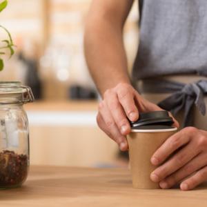 nachhaltige Kaffeebecher im Coffee to go Bereich